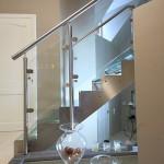 Escalier en inox brossé avec marche en verre et garde corps en paroies vitrées à Nancy en Lorraine EDI49