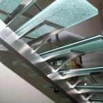 Détails du support de marche et sa marché en verre brisé EDI57