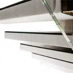 escalier-contamporain-marche-flotante-en-cuire-et-verre-EDI74