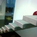 escalier-design-marche-flotante-en-gres-cerame EDI68