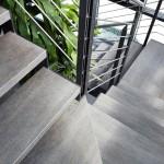 escalier-moderne-en-acier-marche-en-gres-cerame-0