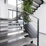 escalier-moderne-en-acier-marche-en-gres-cerame