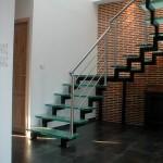 escalier zig zag en acier et marche en verre opale à Nancy 54000 EC23