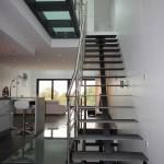excalier design à maintient central passerelle en verre opale 57 Moselle EC28