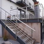 escalier droit exterieur avec garde corps inox à 54700 Pont à Mousson EC44