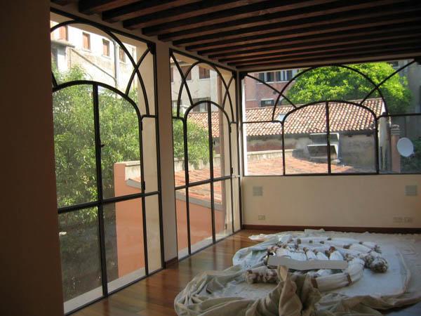 baie vitr e verri re d 39 atelier la maestria. Black Bedroom Furniture Sets. Home Design Ideas