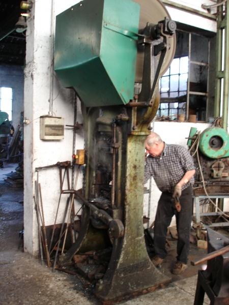 Fabrication de barres à trous