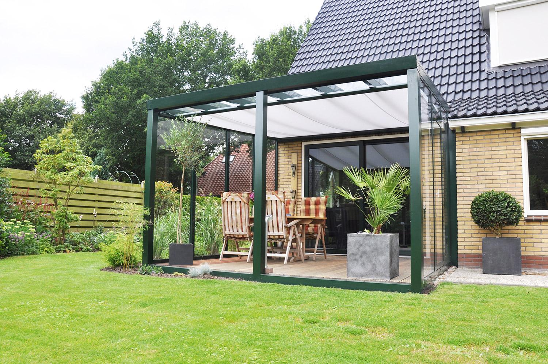 protections solaires pour pergolas et v randas avec stores ou voiles d 39 ombrage. Black Bedroom Furniture Sets. Home Design Ideas