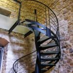 Escalier LOFT industriel hélicoïdale tournant débilladé marche en verre EC17