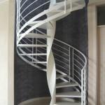 Escalier débillardé fût central style loft en acier