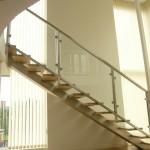escalier limon central à marches en chêne encastrées 57000 Metz EC11