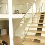 escalier limon central à marches bois encastrées EC07