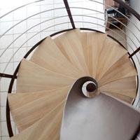 Garde corps en métal sur escalier hélicoïdal