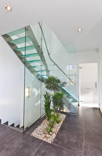 Escalier Design Inox 1 4 Tournant A Double Limon Exterieur Et Garde