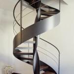 Forme hélicoïdale pour un escalier en métal