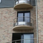 Balcons arrondis avec garde-corps