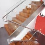 Garde-corps verre sur escalier demi-tournant