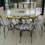 Table et chaises en ferronnerie d'art
