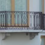 Lignes géométriques pour ce balcon en fer forgé