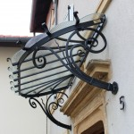 Marquise sur mesure en fer forgé et verre réalisé à Plesnois