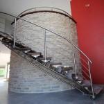 Escalier contemporain inox à limon central et marches bois à 51 Reims, Chalons en Champagne