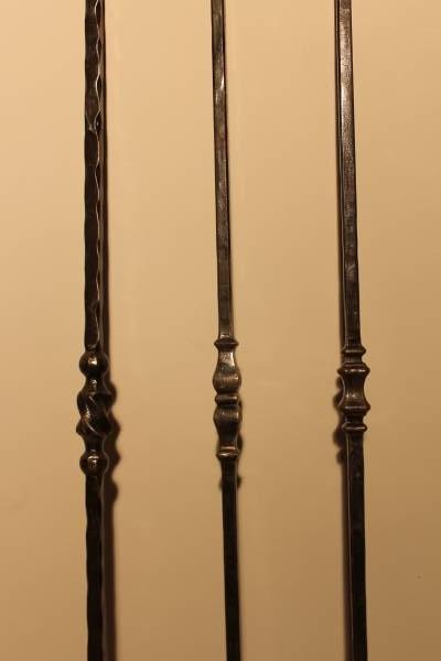 Série de balustres en fer forgé