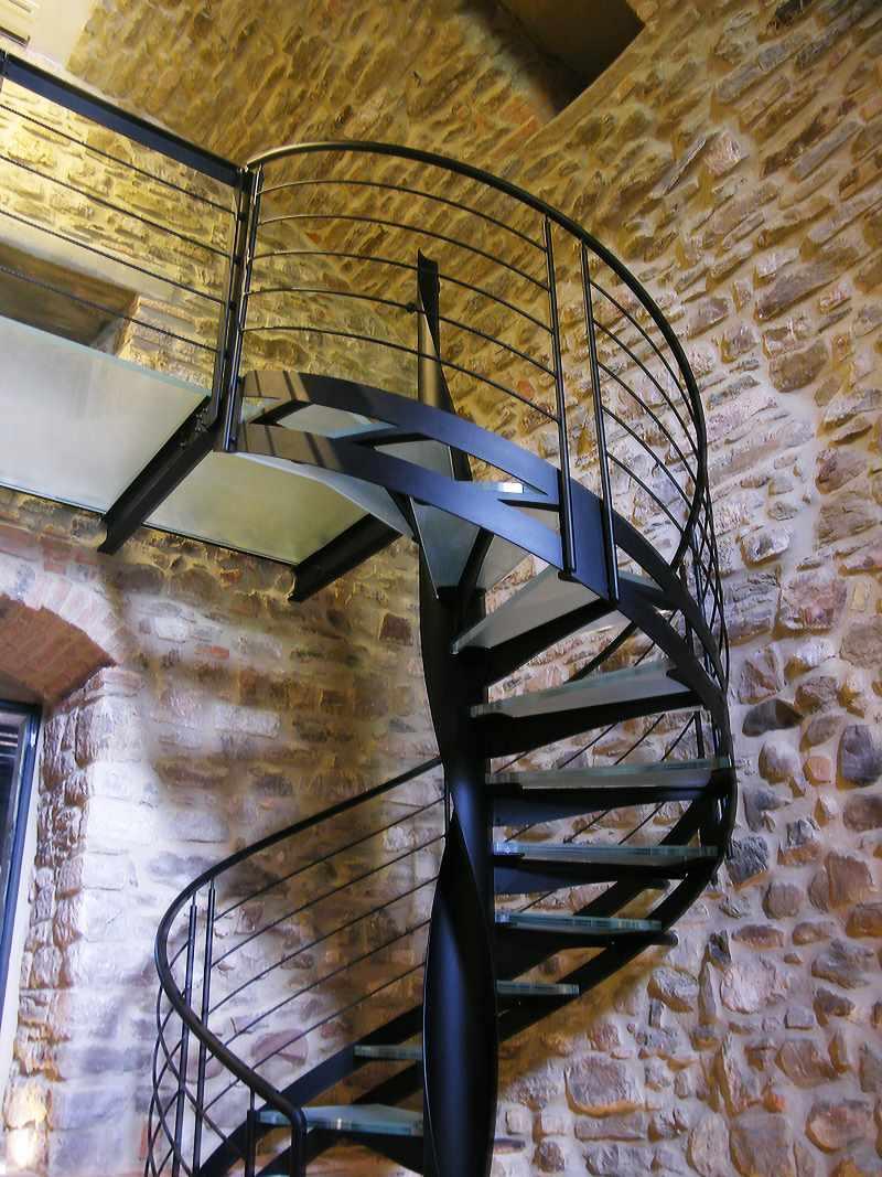 Escaliers En Acier Metal Sur Metz En Lorraine Et Sur Toute La France