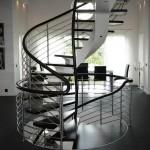Escalier hélicoïdale acier limon central en caisson EC10