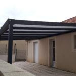 Pergola adossée en aluminim thermolaqué et toiture polycarbonate