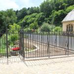 cloture en fer forgé, en accord avec l'administration des Monuments historiques de Luxembourg
