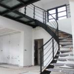 escalier arrondi en métal