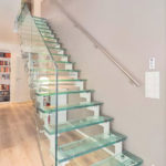 escalier droit en verre